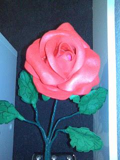 rosa de foami o goma eva para regalar a mamá