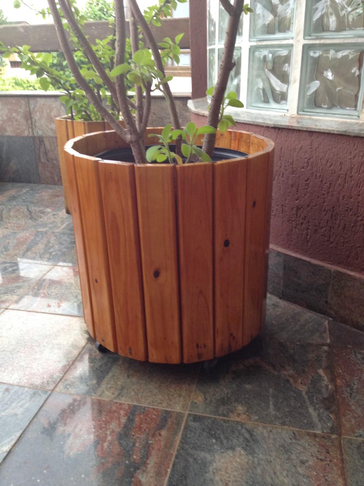 Atelier do zero vaso grande feito em madeira pinho for Vaso grande