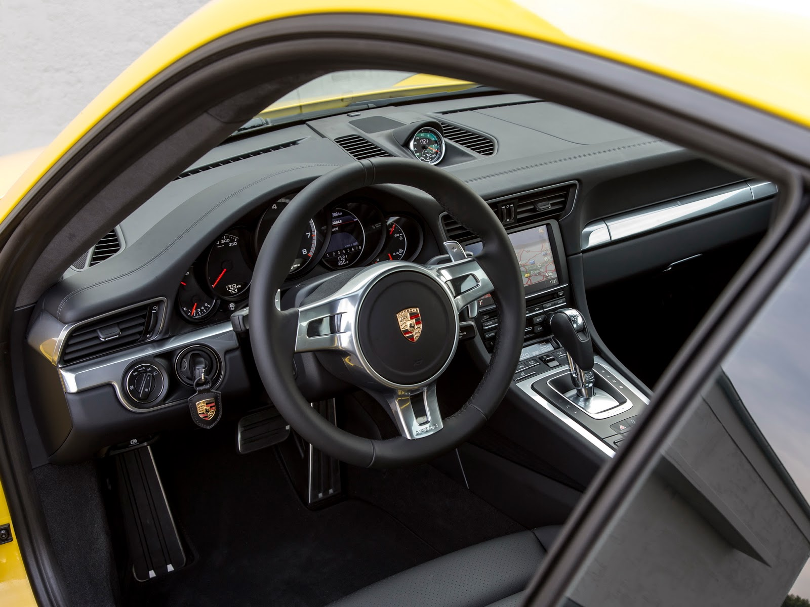 Porsche 911 Turbo - interior