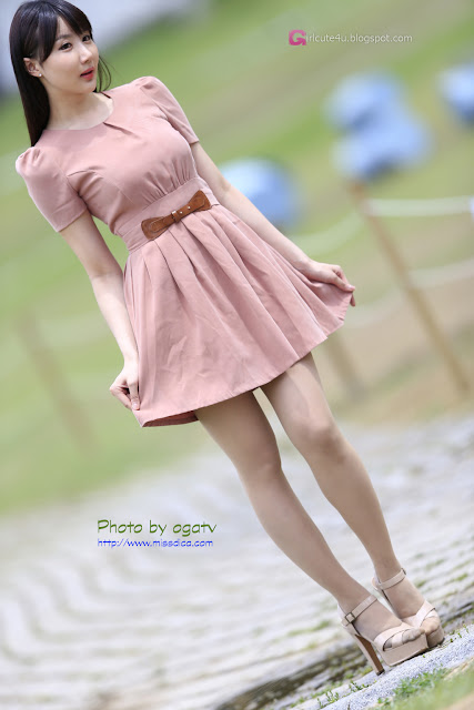 2 Yeon Da Bin in Beige Dress  - very cute asian girl - girlcute4u.blogspot.com