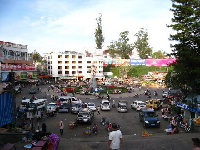 Rotonda del mercado de Da Lat