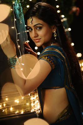 aksha in saree new