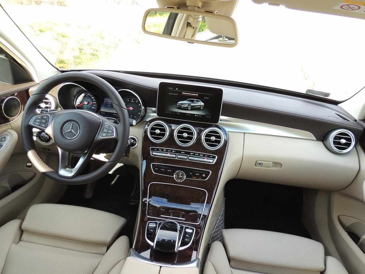 Mercedes Klasy C - wnętrze