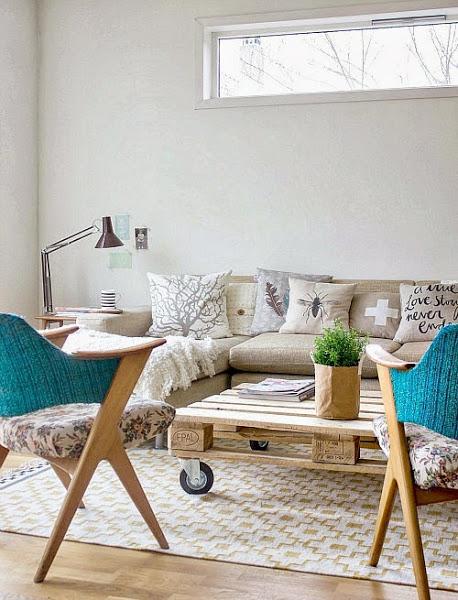 Mesa centro que poner encima decorar tu casa es for Adornos para poner encima de una mesa de salon