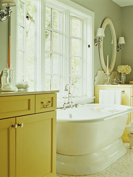 To Da Loos A Splash Of Yellow In The Bathroom Can Be A Good Thing