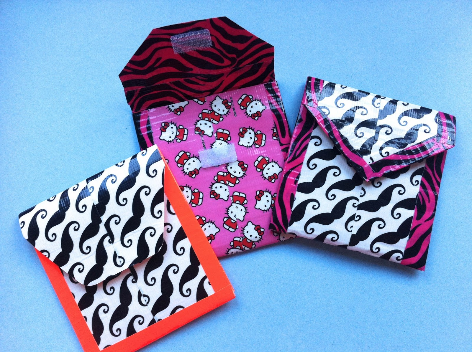 Pass the cereal duct tape pockets for Mini duct tape crafts