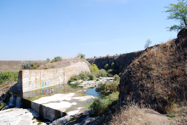 """Водопад. Региональный ландшафтный парк """"Приингульский"""". Николаевская область."""