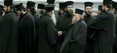 Ιερός πόλεμος για τις περικοπές σε μισθούς ιερέων...