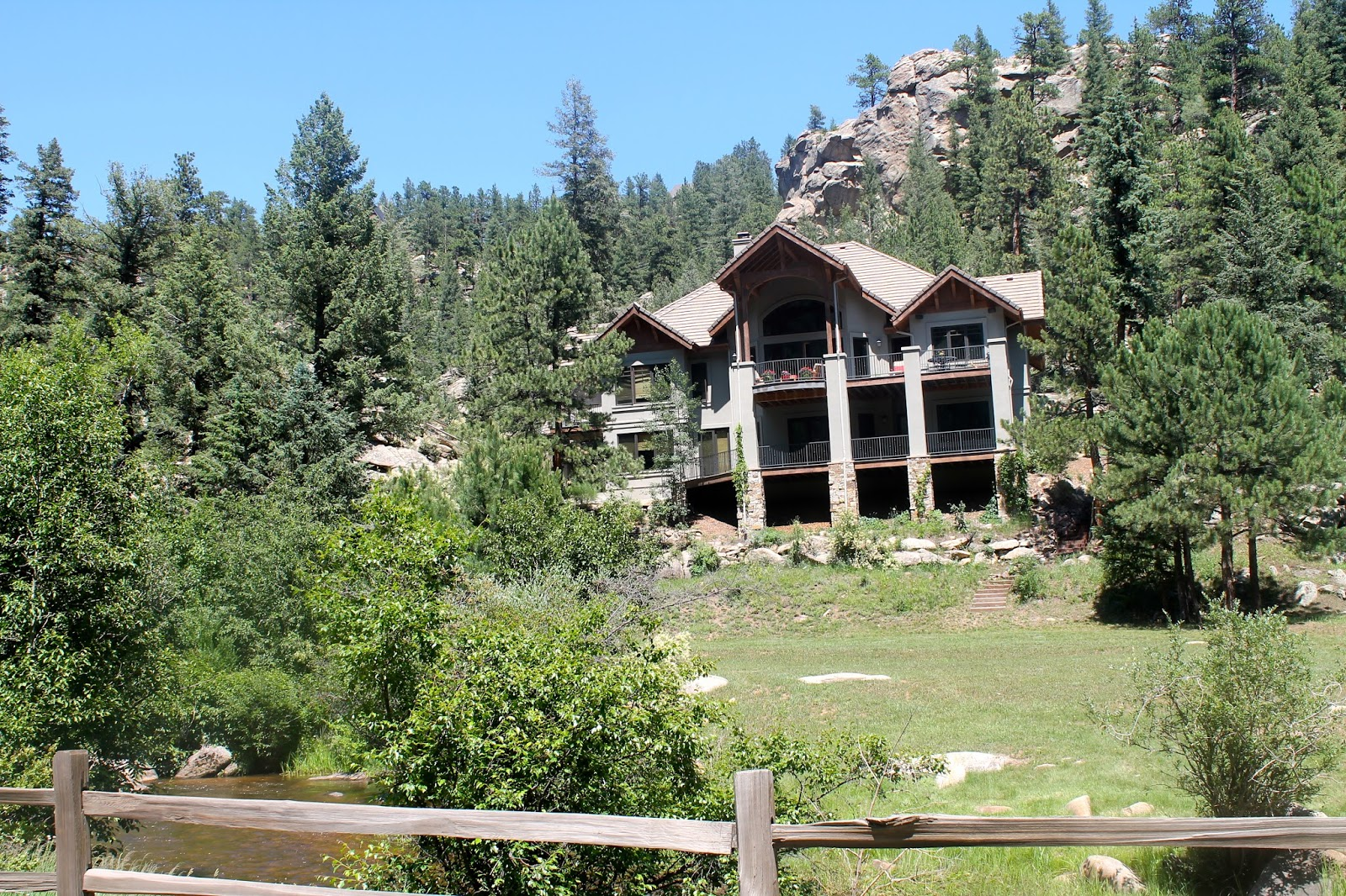 On prairie hill evergreen colorado for Evergreen house