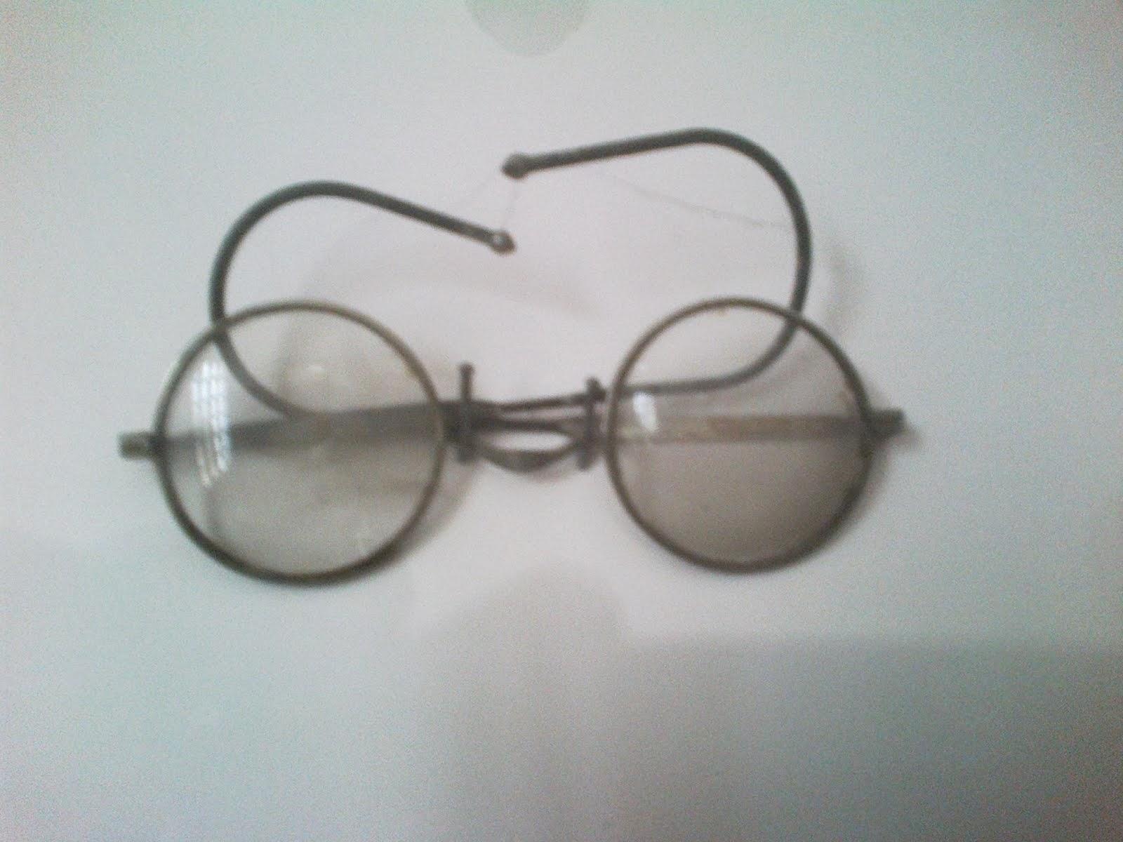 Specs of M.Gandhi