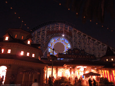 California Screamin' dark World of Color loop Brave projection
