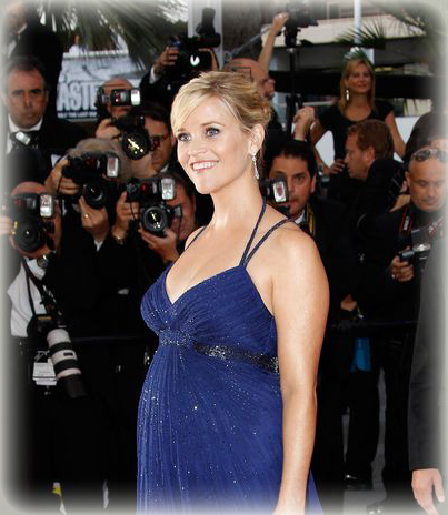 Reese Witherspoon se luce con su embarazo