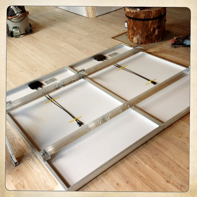 Installing the PV Solar Panels | Maison Durable Portneuf