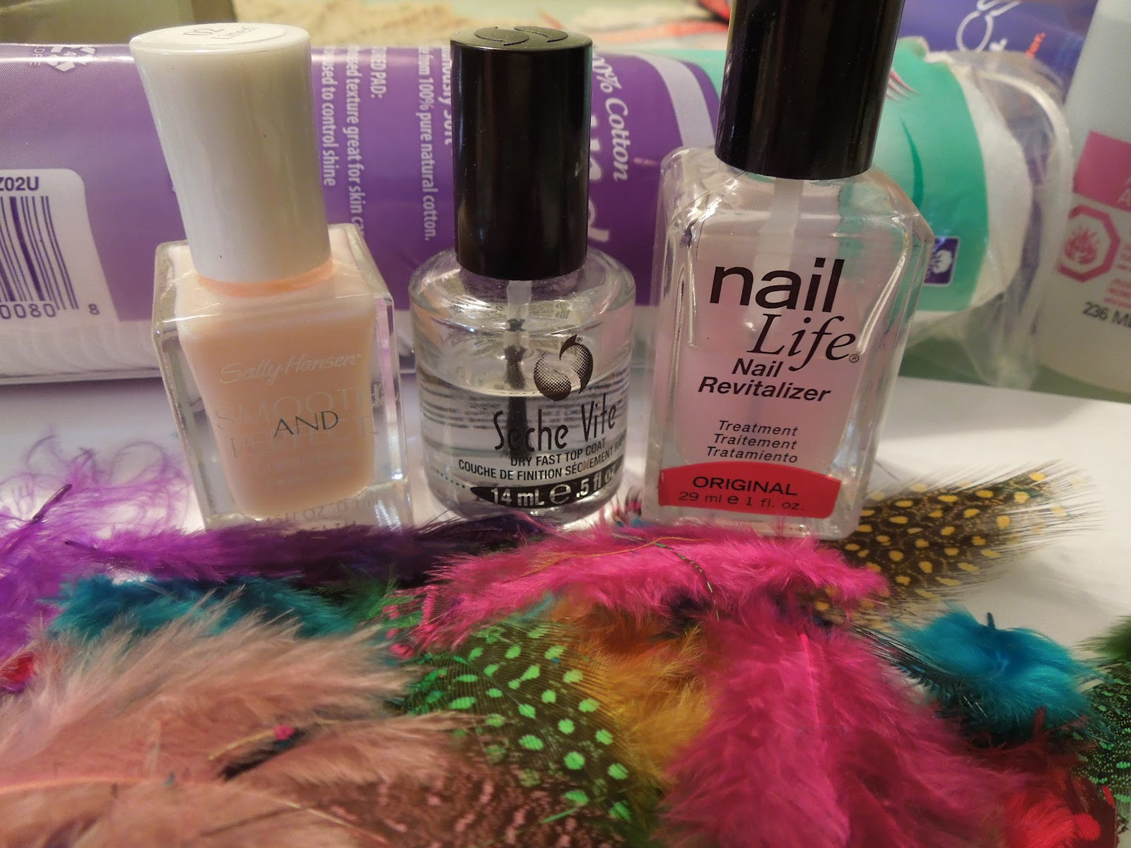 Pretty In Polish: Feather Nails Anyone???