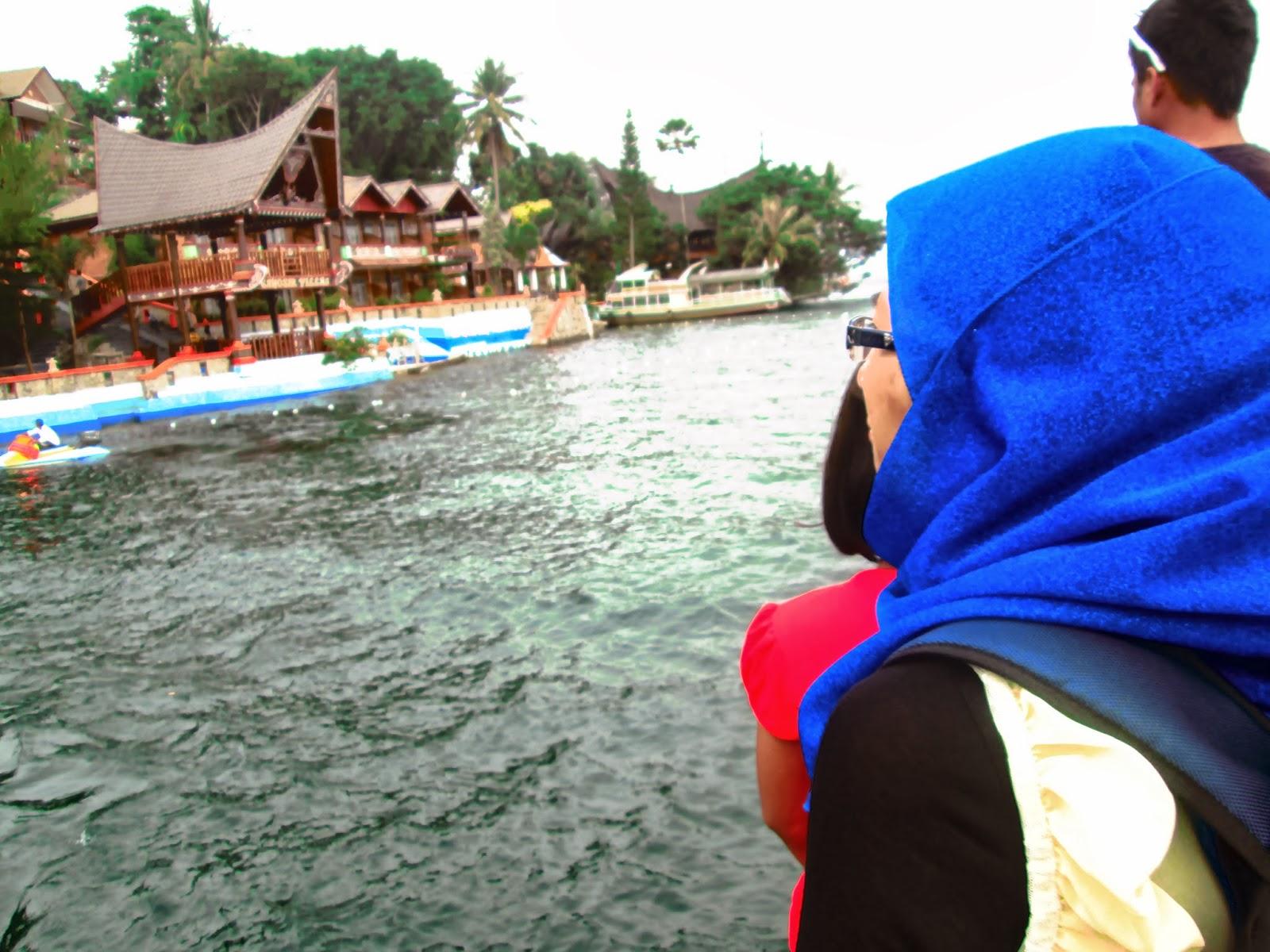 DAKU BERJALAN ~ Medan: Danau Toba