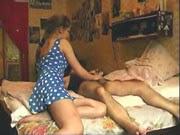 Trepando com a sobrinha no quarto - http://videosamadoresdenovinhas.com