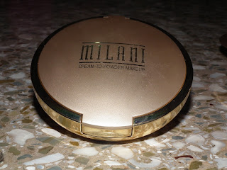 Gold packaging foundation