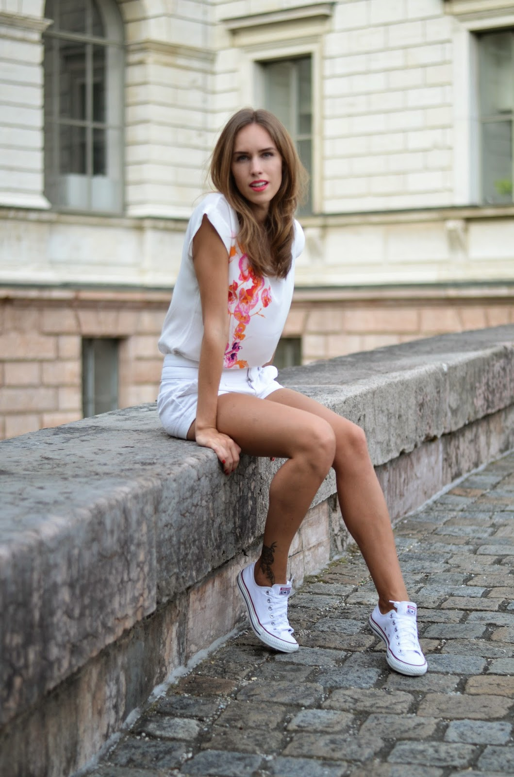 kristjaana mere white outfit summer trend fashion