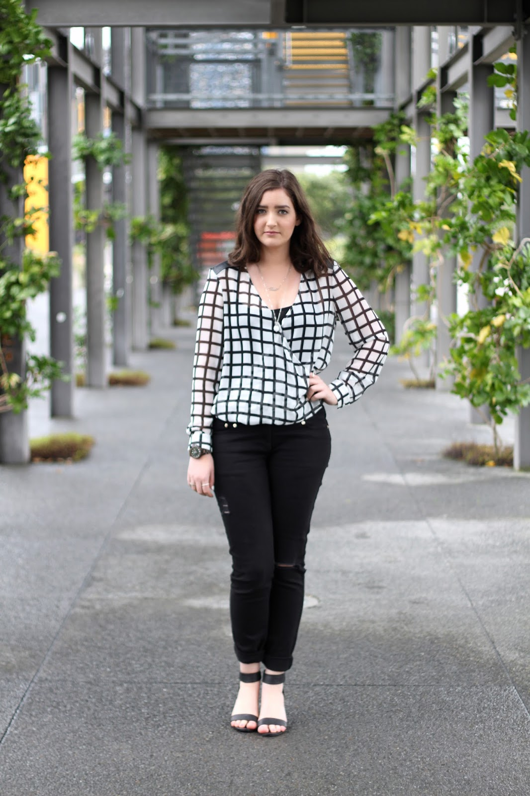 What is smart casual dress code for dinner women - Tuesday June 23 2015