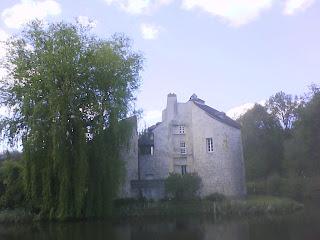 モンモレンシーの森の狩猟の城