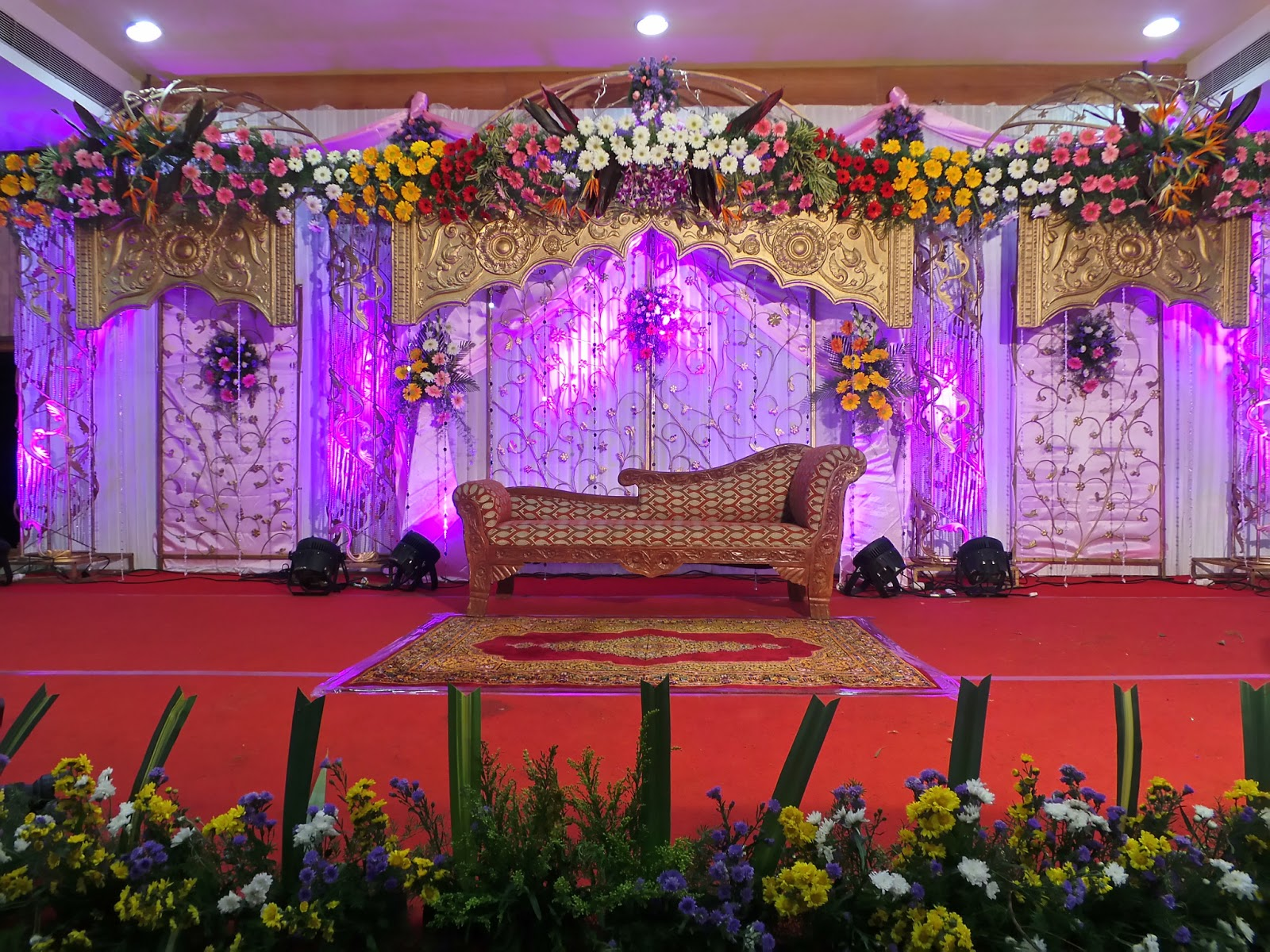 Wedding reception stage decorations chennai wedding decorators in wedding reception stage decorations chennai wedding decorators in chennai junglespirit Gallery