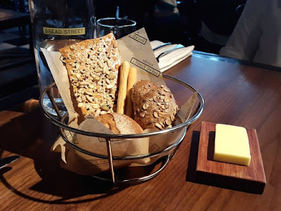 Complimentary breads at Bread Street Kitchen Marina Bay Sands