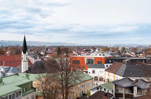 03-Bad-Aibling-City-Hall-by-Behnisch-Architekt