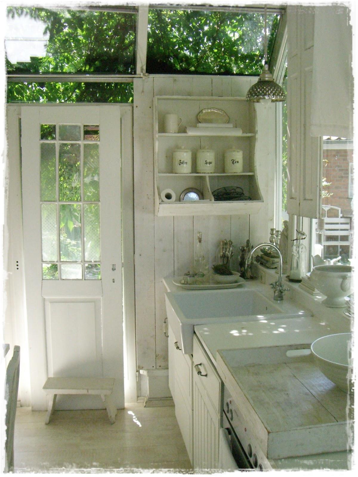 lilleweiss k chenbilder. Black Bedroom Furniture Sets. Home Design Ideas