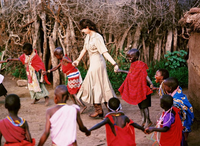 Leah Dizon Dance With African Children