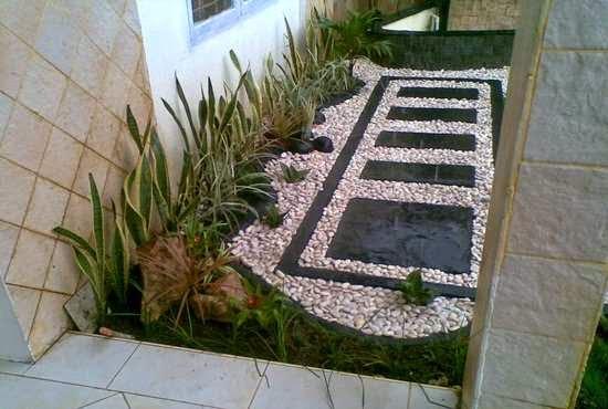 foto taman batu alam rumah minimalis