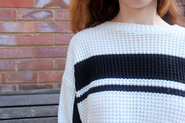 monochrome fashion bloggers jumper winter