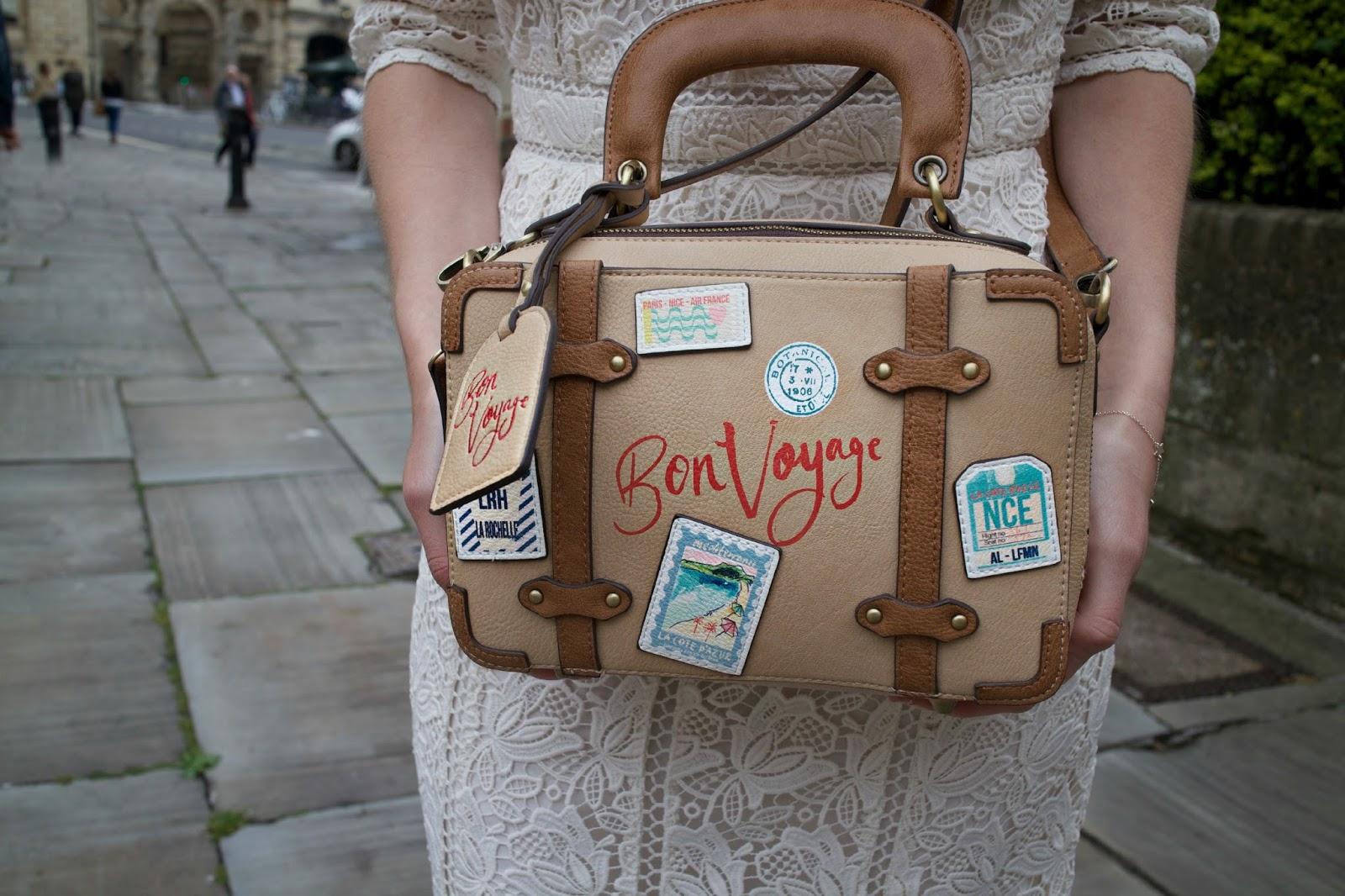 accessorize bon voyage bag