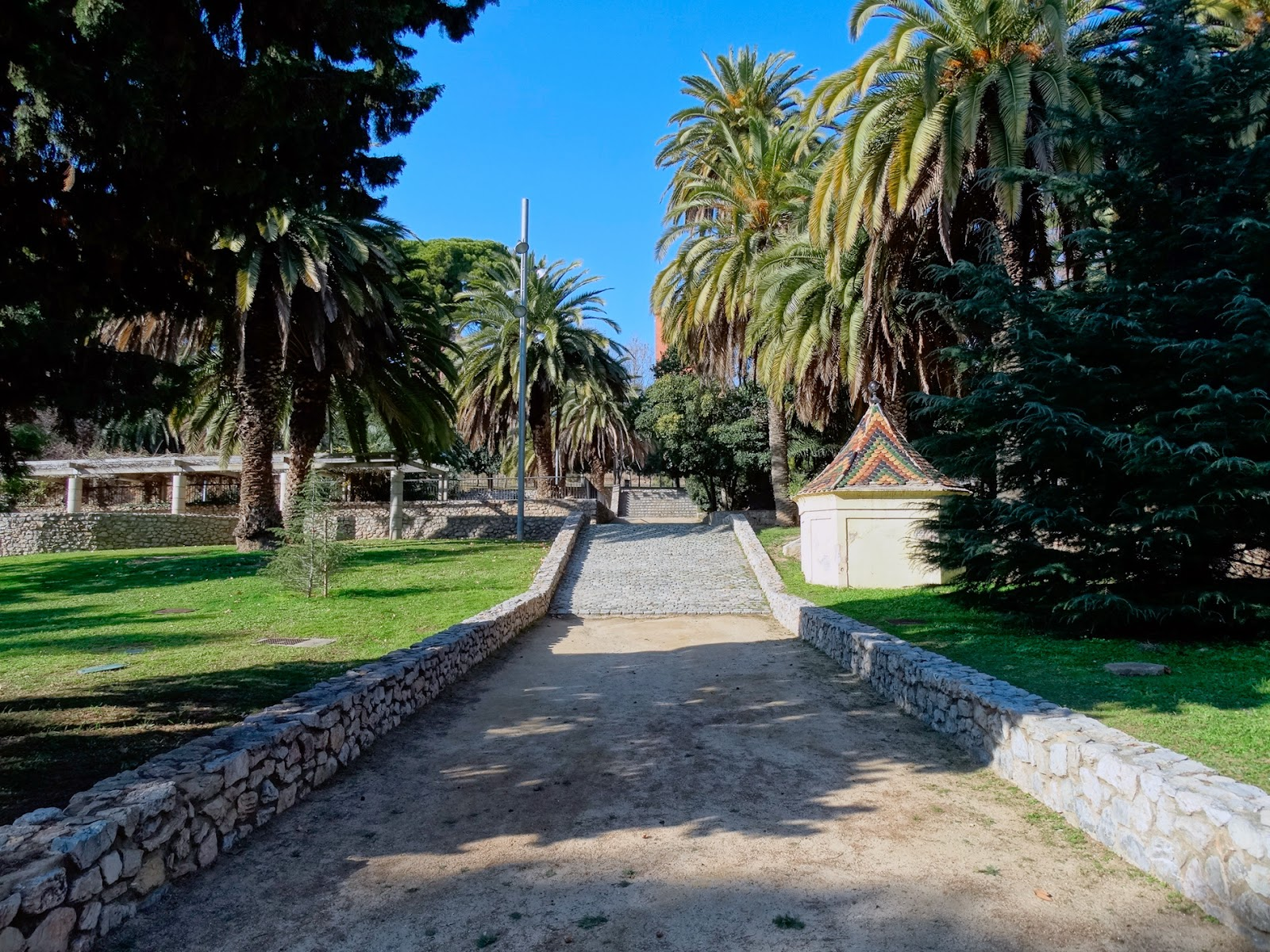 peregrinus can mercader los jardines de palacio On los jardines de palacio