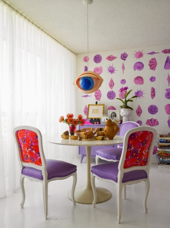 Ruang Makan Minimalis, Elegan, dan Feminim 2015
