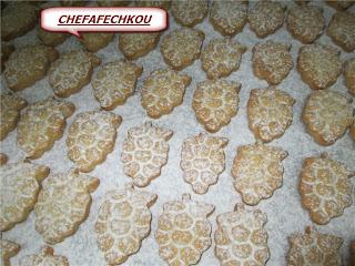 Petits fours sablés/ grappe de raisin au sucre glaçe