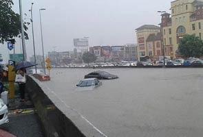 banjir teruk di puchong,gambar banjir di puchong,banjir puchong, video banjir puchong, ioi mall puchong banjir,gambar ioi mall banjir, puchong banjir,gambr banjir 2013,banjir kilat di puchong,banjir kilat ioi mall