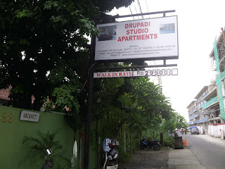 Jalan Drupadi, Harris Hotel Seminyak - cheap backpacker accomodations, Bali