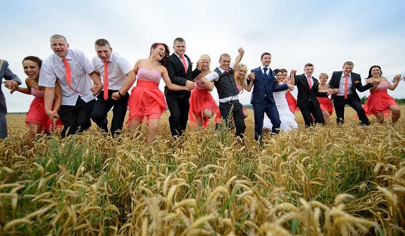 linksma vestuvių fotosesija gamtoje