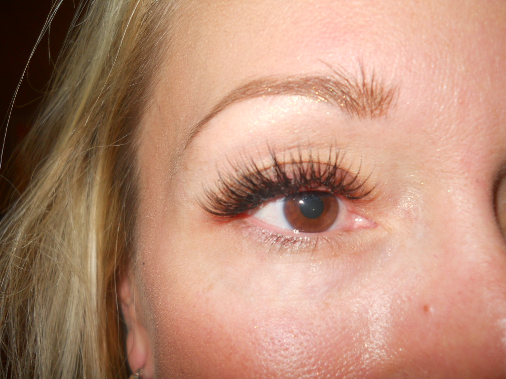 Natural Cat Eye Eyelash Extensions