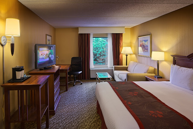 Hotel Hot List: Doubletree by Hilton Asheville-Biltmore