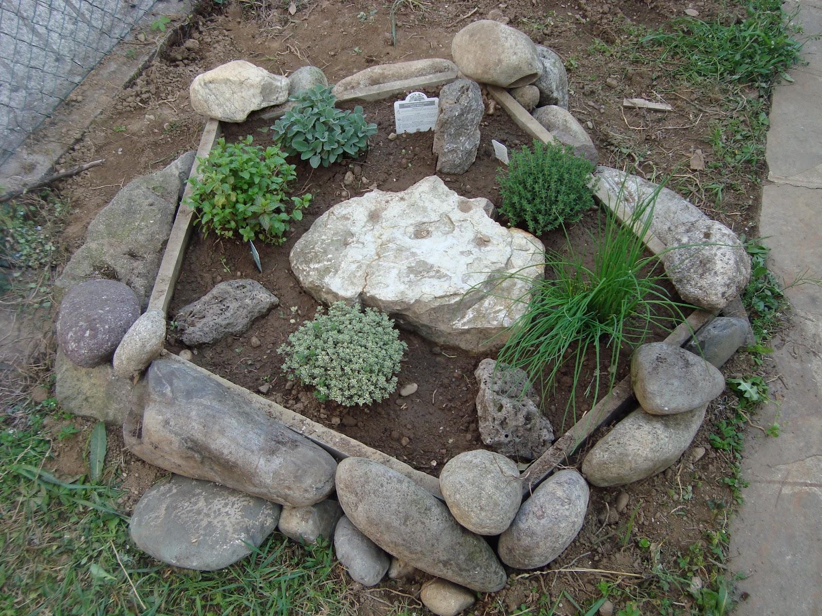 Riflessi di una mamma aprile 2012 - Sistemare un giardino ...