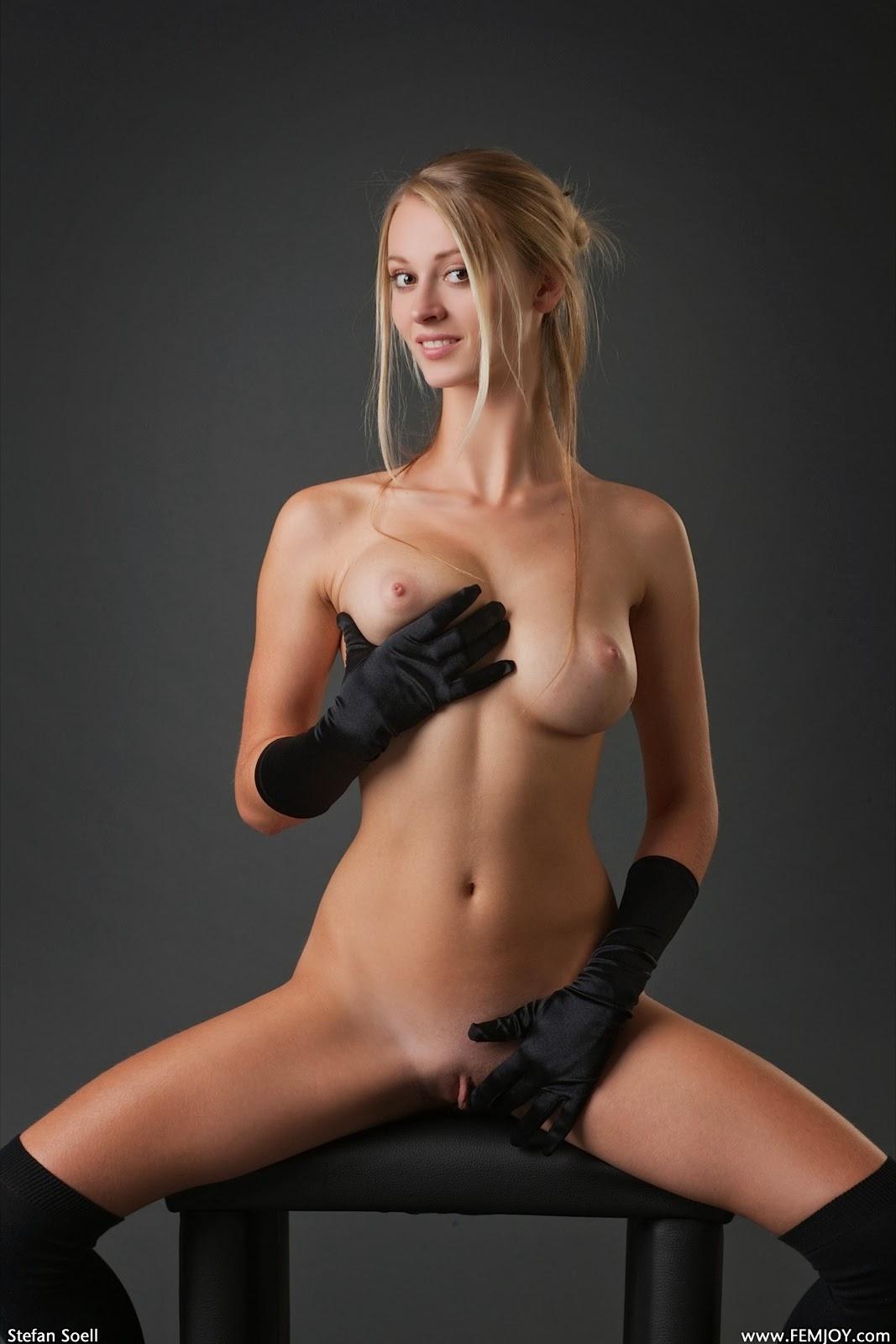 la coqueta desnuda