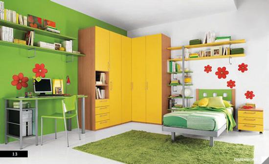Desain Interior Kamar Anak dengan Floral Wall Art