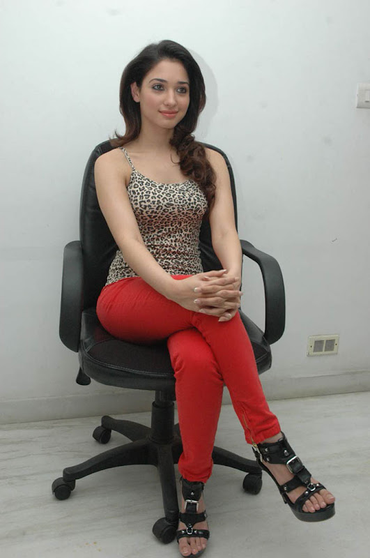 Tamanna latest hot stills hot images