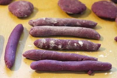(Bánh Khoai Mỡ Chiên Giòn) - Fried Crispy Purple Yam Cakes