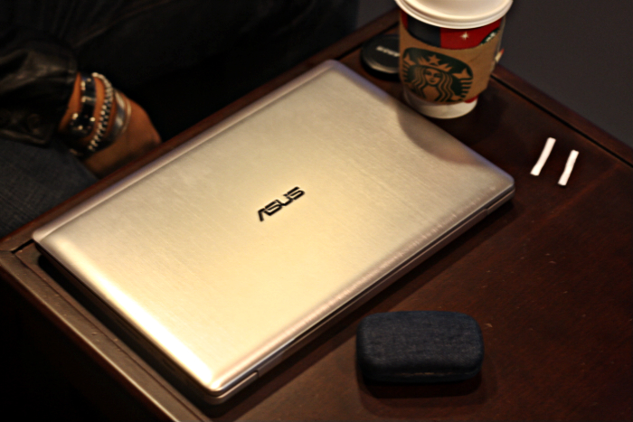 ASUS VIVOBOOK S200 TOUCHSCREEN LAPTOP