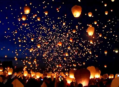 Eleven thousand sky lanterns were released into the night sky on June 21 2011 in Poznan Poland to celebrate Midsummer Night. The event was promoted on ... & Trick Mix: Thousands of Sky Lanterns Light the Night