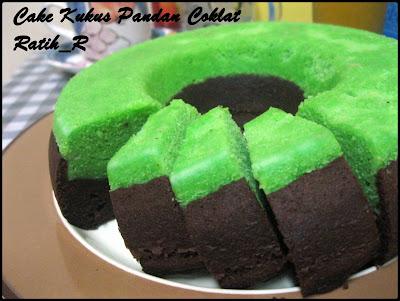 cake kukus pandan coklat resepnya dari tabloid saji cake kukus ini ...