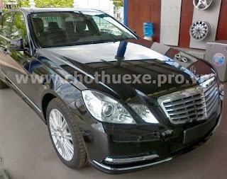 Cho thuê xe VIP Mercedes E300 1