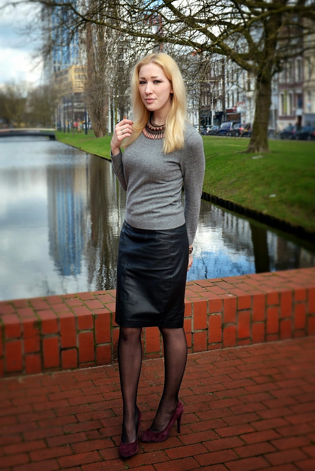 http://www.dashinglyelevating.com/2014/02/outfit-post-leather-pencil-skirt-and.html